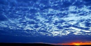 Soirée bleu-foncé. Image libre de droits