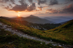 Soirée d'été dans les montagnes Image libre de droits
