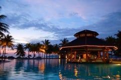 Soirée dans l'hôtel tropical Photos libres de droits