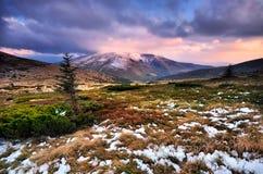 Soirée dans les montagnes Image libre de droits