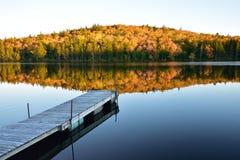 Soirée de chute sur le lac Photos libres de droits