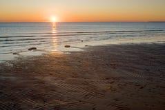 Soirée de l'hiver sur le rivage de mer Images stock