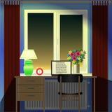Soirée de pièce, de bureau, d'ordinateur portable, de réveil, de lampe et de fenêtre illustration stock