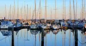 Soirée de port de yacht Photographie stock libre de droits