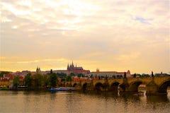 Soirée de Prague de panorama d'Insta, République Tchèque photos stock