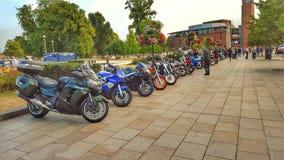 Soirée ensoleillée regardant des motocyclettes Photo stock