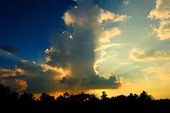 Soirée nuageuse Photo stock