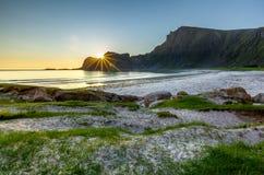 Soirée sur la plage sablonneuse, plage de Hoyvika Photographie stock