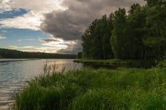 Soirée sur la rivière d'Ural Photographie stock