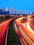 Soirée tirée de l'autoroute urbaine photographie stock