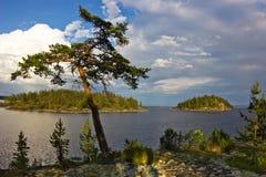 Soirée sur le lac Ladoga, Carélie Photo stock
