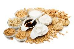 Sojabohnenölprodukte getrennt auf Weiß Lizenzfreies Stockfoto