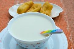 Sojabohnenmilch stockfotos