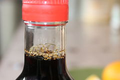 Sojasaus in een fles Stock Afbeeldingen