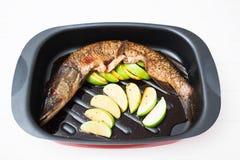 Sojasoßen-Fruchtwanne der Fische würzige Lizenzfreie Stockfotos