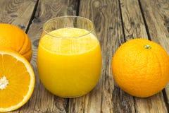 sok świeża szklana pomarańcze Obrazy Royalty Free