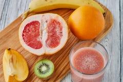 Sok grapefruitowy, kiwi i pomarańcze, Zdjęcia Royalty Free