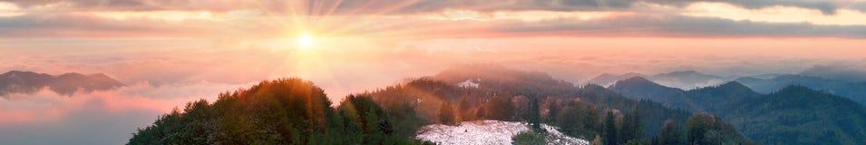 Sokal Ridge i nedgången Arkivfoto