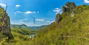 Soko Monastery ? ficado situado abaixo de Soko Grad fotos de stock
