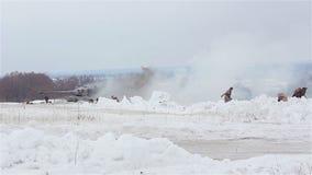 By Sokolovo, Kharkiv region, Ukraina - mars 9: Rekonstruktion av striden av det andra världskriget nära stock video