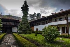 Sokolski klosterGabrovo Bulgarien royaltyfria bilder
