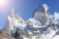 Sol över Fitz Roy Mountain, Patagonia i Argentina Royaltyfri Bild