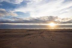 Sol atlántica en costa esquelética imágenes de archivo libres de regalías