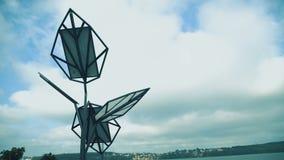 Sol- batterier på himmelbakgrund i 4K lager videofilmer