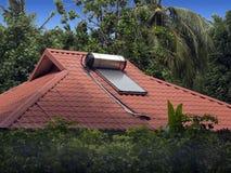 Sol- bevattna värmeapparaten Royaltyfri Foto