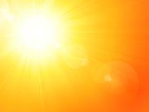 Sol caliente vibrante del verano con la flama de la lente Imagen de archivo libre de regalías
