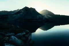 Sol da manhã no lago Virgínia, Califórnia Fotografia de Stock Royalty Free