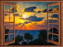 Sol de la nube de la ventana abierta Imagenes de archivo