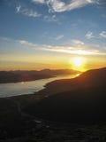 Sol de medianoche en las islas de Lofoten imagenes de archivo