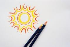 Sol del dibujo de la mano con los lápices imagen de archivo libre de regalías