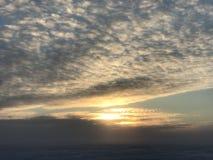 Sol del mediodía en el ártico del invierno Imágenes de archivo libres de regalías