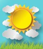 Sol del vector con el fondo de las nubes Imagen de archivo libre de regalías