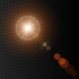 Sol do verão com luzes e fulgor realísticos do alargamento da lente no fundo preto Ilustração Eps 10 do vetor ilustração do vetor