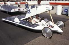 Sol- driven bil på det sol- och elkraften 500, AZ Royaltyfri Foto