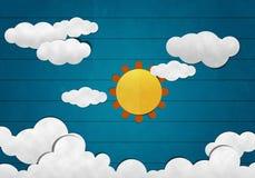 Sol e nuvem grandes no fundo de madeira Foto de Stock Royalty Free