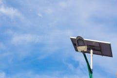 Sol- energi och himmel Arkivbild