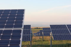 Sol- energi, solpaneler, renewables, PV-enheter Arkivbild