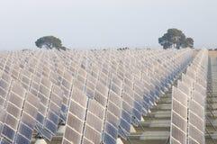 sol- energifält Arkivfoto