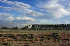sol- energilantgård Arkivbilder