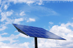 sol- energiväxt Arkivfoton