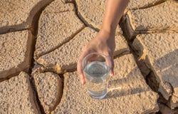 Sol et eau desséchés II Photographie stock