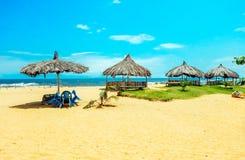 _ Sol-gjord genomvåt strand i Monrovia, Liberia Royaltyfria Bilder