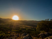 Sol grande en la puesta del sol Imagen de archivo