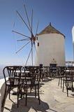Sol griego del día de fiesta de la isla de Santorini imágenes de archivo libres de regalías