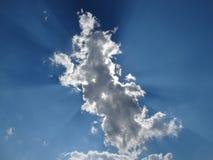 Sol i molnet arkivbilder