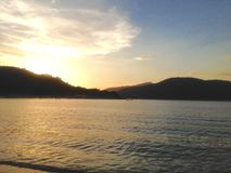 Sol i sjön Arkivfoto